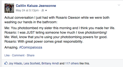 Fan conversation with Rosario Dawson in the bathroom at Comicpalooza